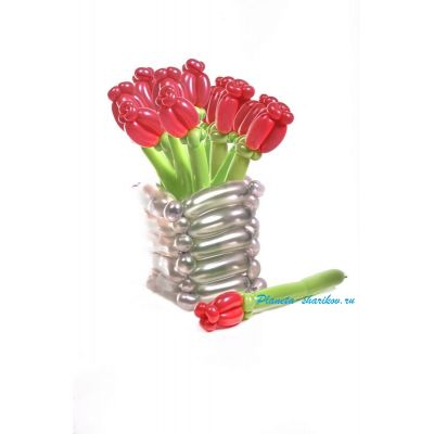 """Корзина с цветами из воздушных шаров """"Красные тюльпаны"""" 5 шт."""